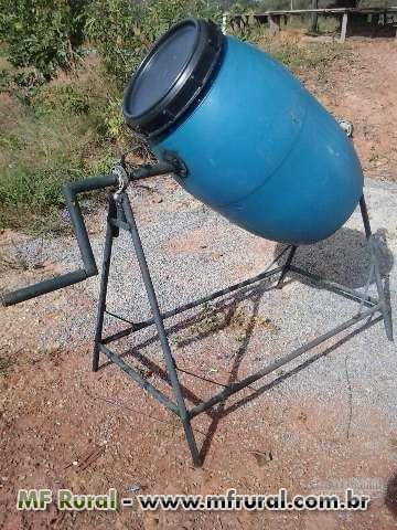 Figura 1: Misturador de sementes feito com barril. Fonte: MF Rural.